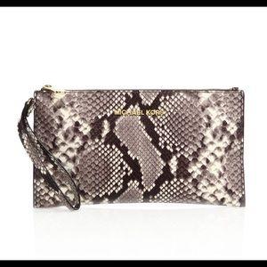 Michael Kors Beford Snake Wristlet!